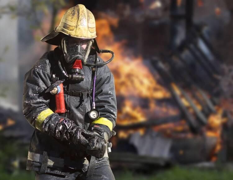 لباس آلوده آتشنشانی