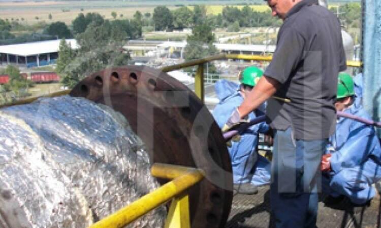 کاربرد واترجت در نظافت صنعتی و رسوب زدایی لوله ها