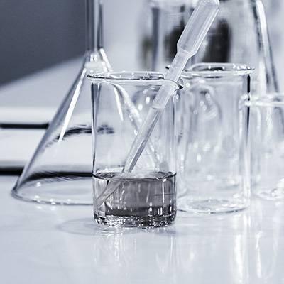 شستشوی ظروف آزمایشگاهی  - laboratory-glassware-cleaning